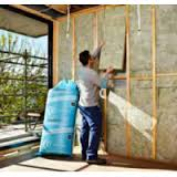 soundscreen-acoustic-insulation-batts-being-installed-soundproofing-products-australia